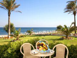 как открыть гостиницу на море