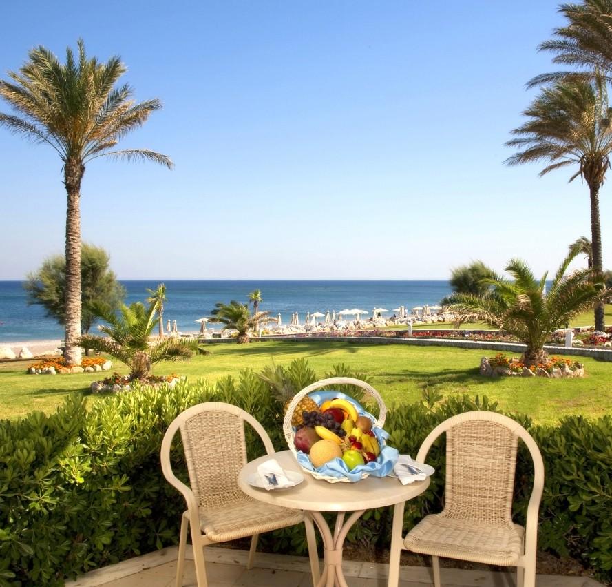 Как открыть гостиницу на море?