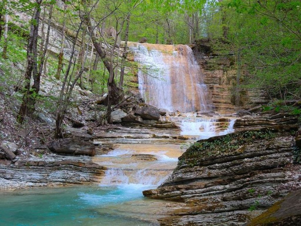 Каменномостский – отдых на лоне уникальной природы