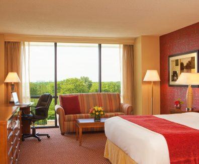 Как сэкономить на бронировании номера в отеле?